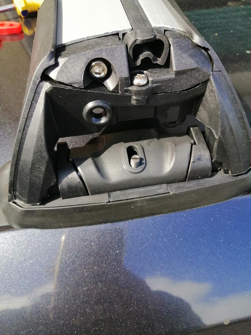 Subaru legacy roof rack