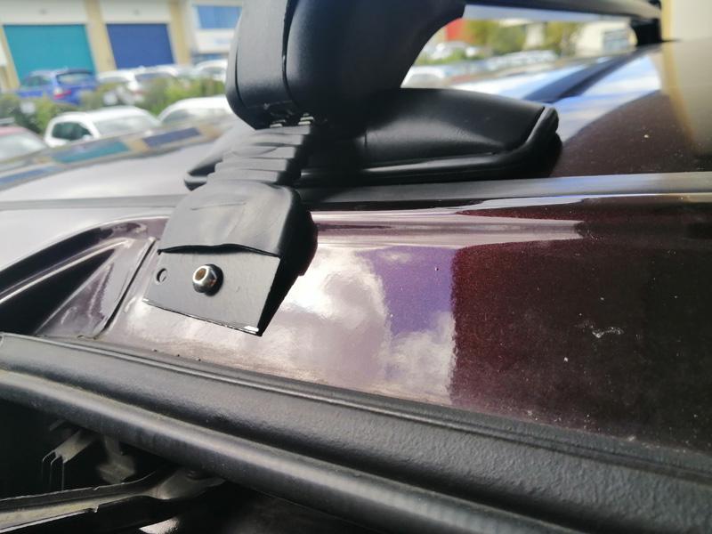 Toyota Alphard roof rack