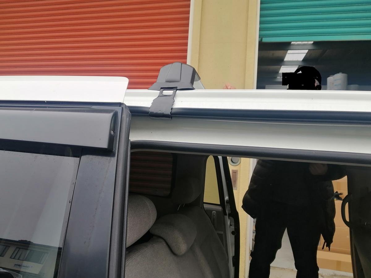 Universal roof rack for honda elysion